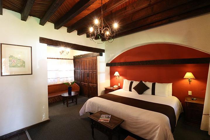 Hosteria san Felipe habitacion sencilla cama