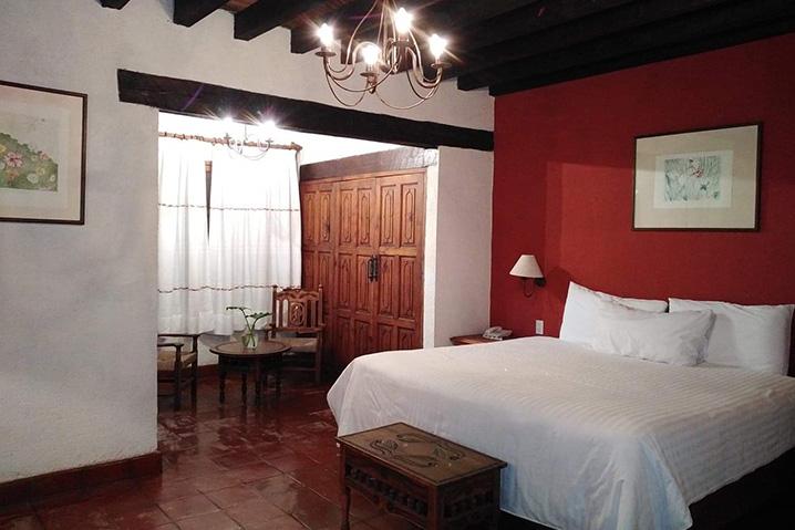 Hosteria san Felipe habitacion sencilla una cama